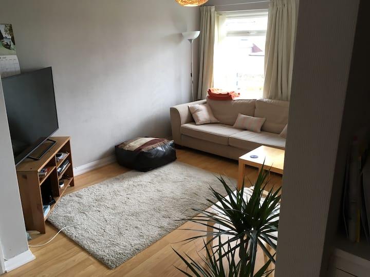 Stylish & Spacious 2 Bedroom Apartment