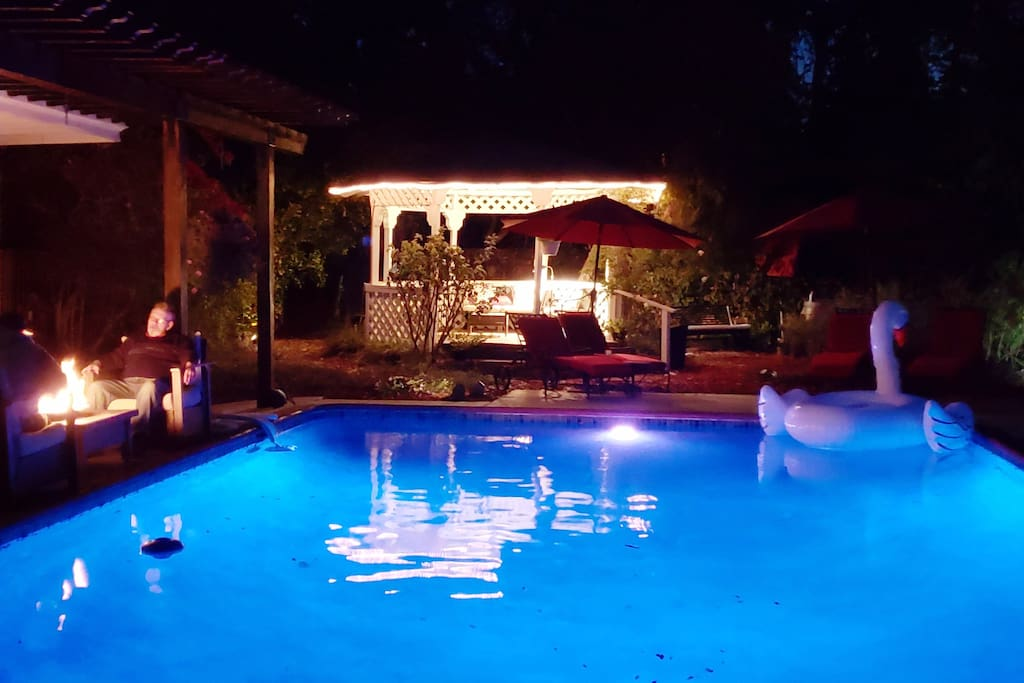 Night lights and fire roaring poolside !!!