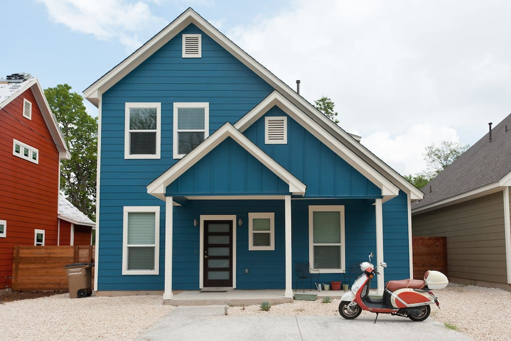 Two story home.  125CC Scooter available for use for extra cost.  Please contact me.  Comes with two helmets.