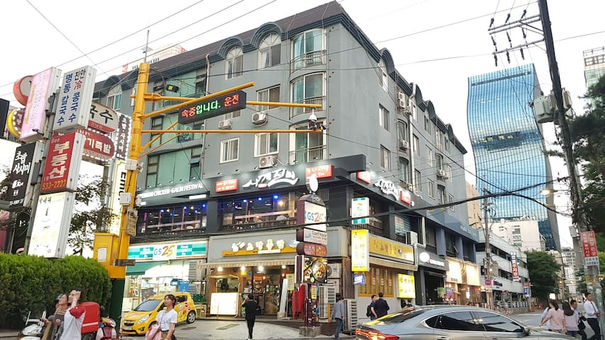 G-00/SERVICED APARTMENT/GANGNAM-STATION/3BED ROOMS