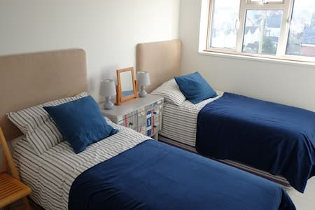 Twin room, Chapelhay, Weymouth - Weymouth