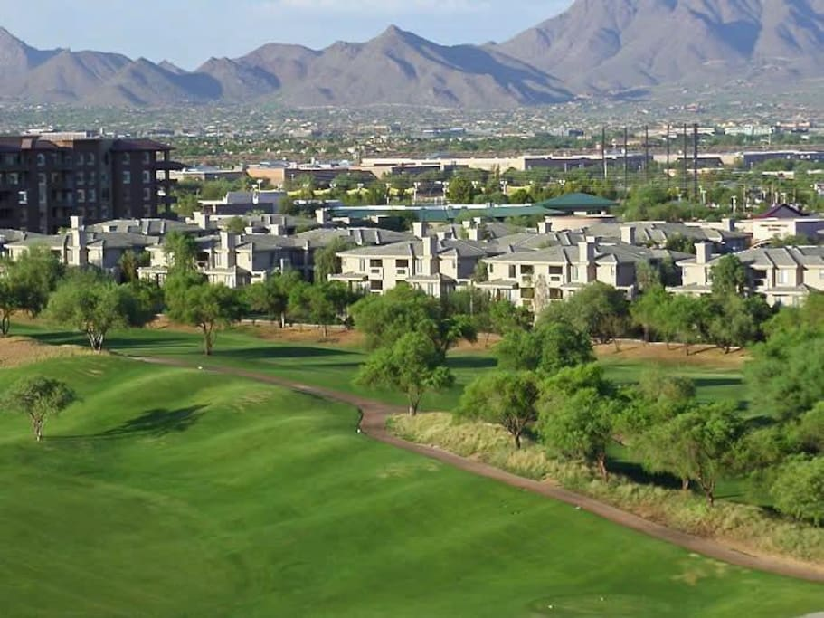 All condo's are located in the heart of kierland which is a brilliant neighborhood for friends and families, sports , shopping and golf fanatics!