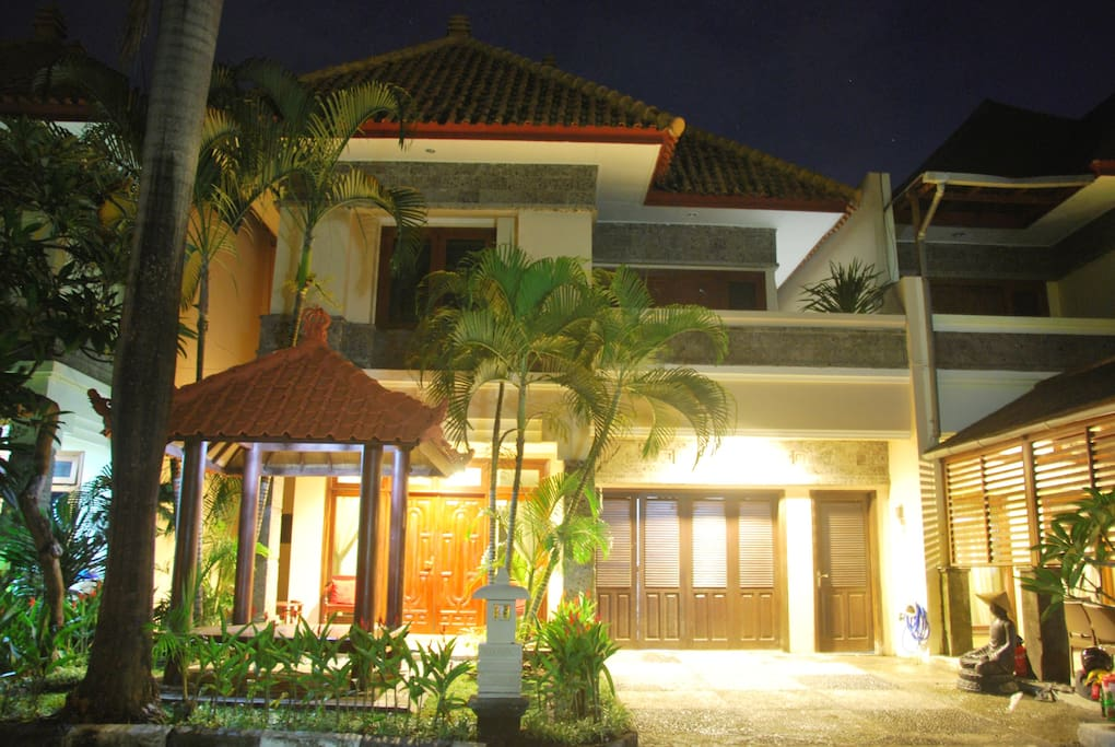 Villa Santai entrance