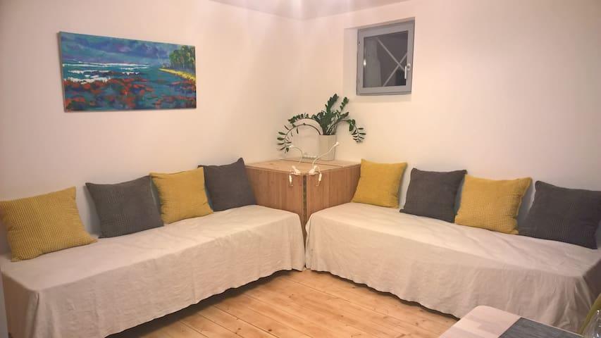 Studio cosy, parking privé et petit dej. inclus