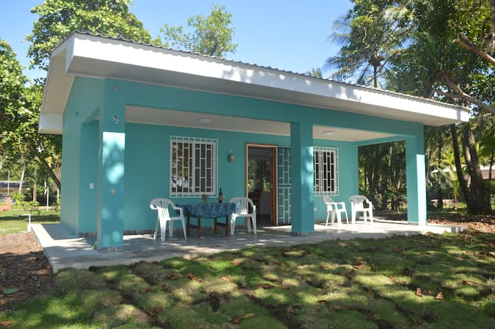 Frith Estate in Playa Zancudo