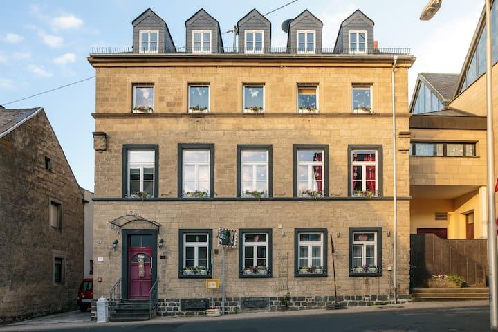 Altes Schwesternhaus in Weibern - Tuffsteinhaus