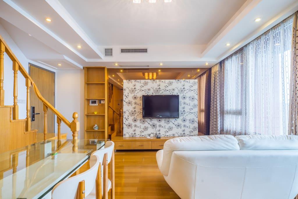 舒适的沙发。温馨美观的客厅。
