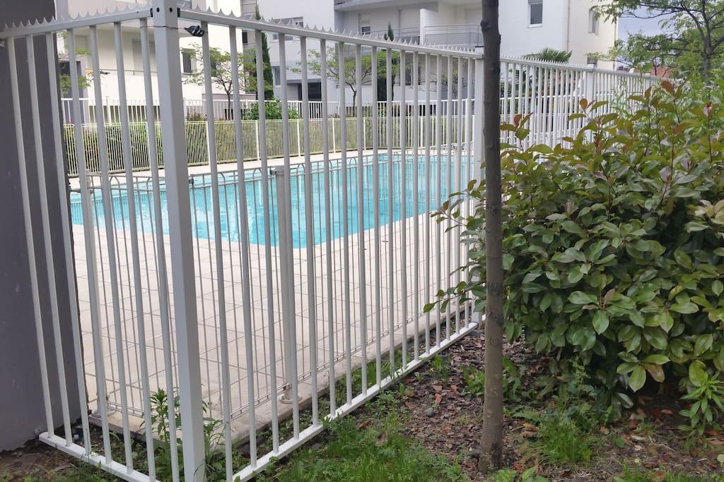 Bel appartement avec piscine dernier tage appartements - Piscine interieure montreal clermont ferrand ...