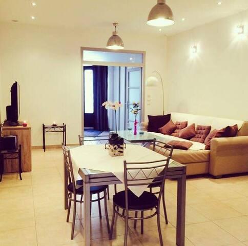 Exceptionnel loft/appartement-Patio privé