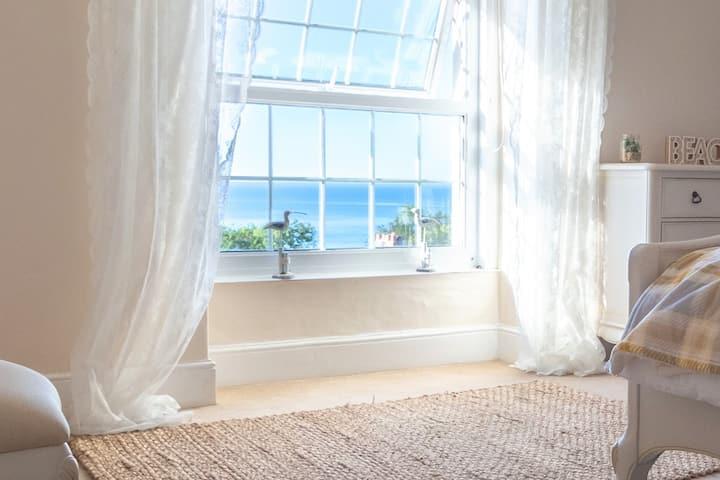 Detached Coastal Property with Sea Views & Hot Tub