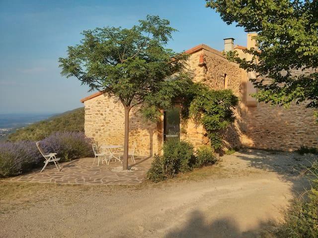 Gite pleine nature dans mas catalan