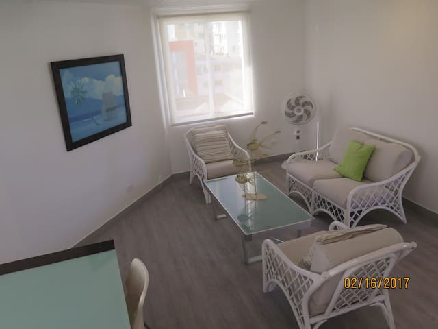 BEST LOCATION, 2 BEDROOM APARTMENT - San Andrés - Huoneisto