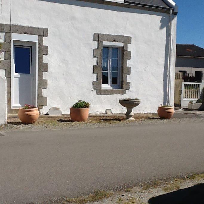 La façade de la maison , typique de la région