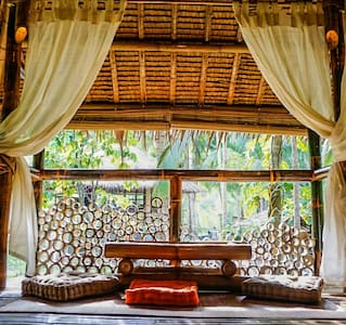 Bamboo cottage by the river - Loboc - Kabin