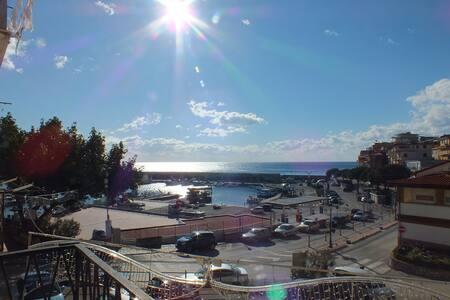 Appartamento vista mare Marina di Camerota - 玛丽娜迪卡梅罗塔 - 公寓