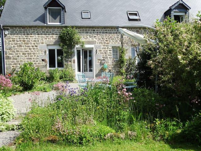 La Maison Launay, Chambres et Table d'hôtes - Saint-Clément-Rancoudray