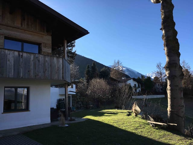 90sqm Garden Apartment near Innsbruck - Relax.Land