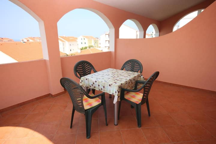 One bedroom apartment with terrace and sea view Novalja, Pag (A-6341-b)