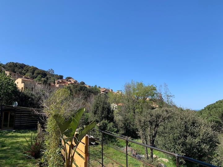 Maison de village et jardin entre mer & montagnes
