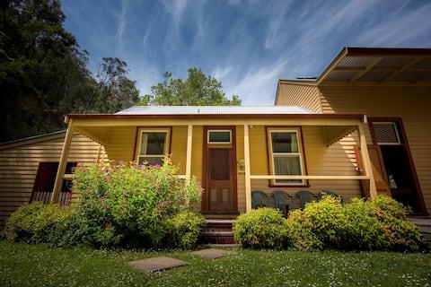 Walhalla Creek Cottage