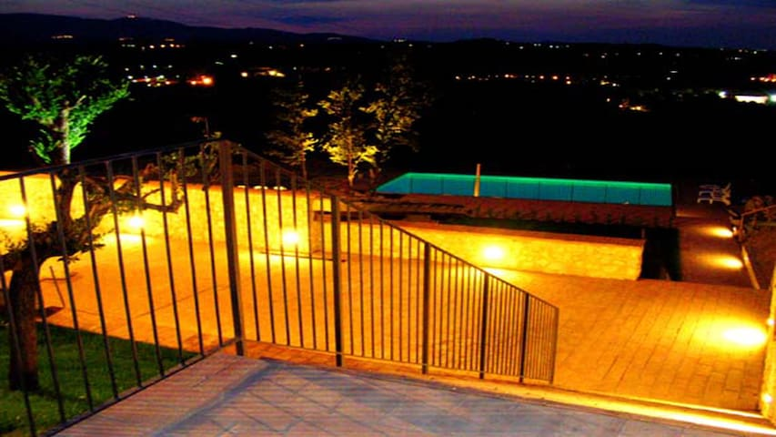 SPOLETO BY THE POOL/WIFI/EXC POOL/JACUZZI/ROME 1HR