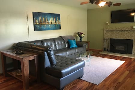 Your Indianapolis Home Base - Indianapolis - Apartamento