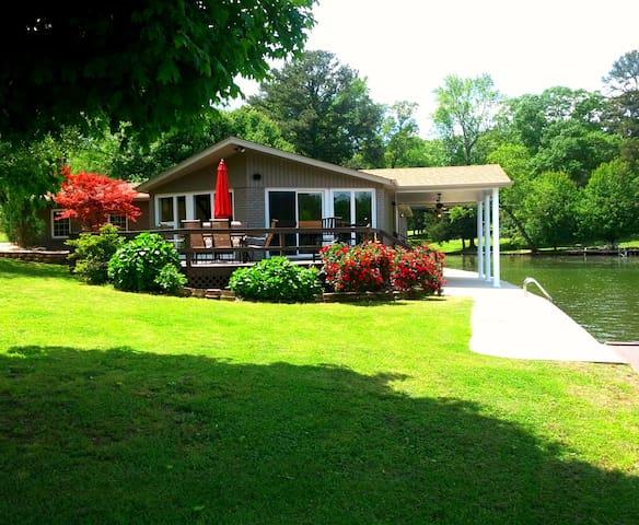 Shoal Creek Gibbons Home on Wilson - Florence - Rumah