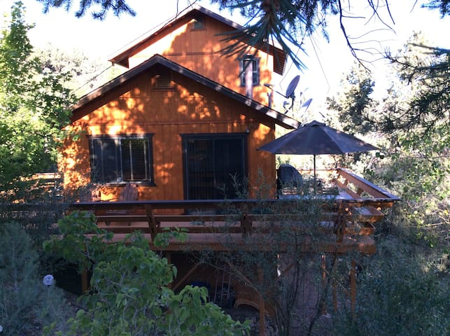 Modern Mountain Cabin--Sunshine! - Pine Mountain Club - Rumah