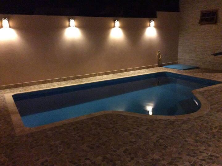 Casa com piscina e área de lazer em Botucatu