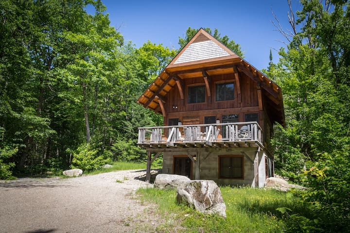 Cote Nord Tremblant Modern Log Cabin 3 bedroom