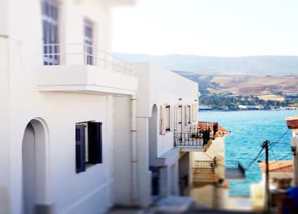 Town Center #1 Apt-Andros, Chora