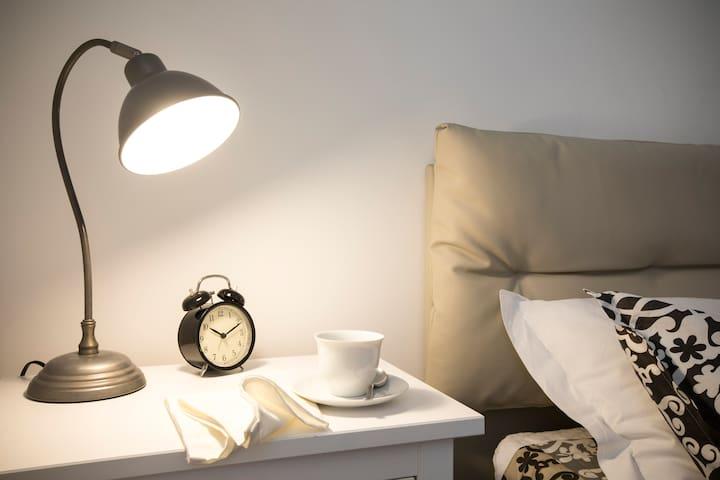 Appartamento, due camere con bagno, cucina