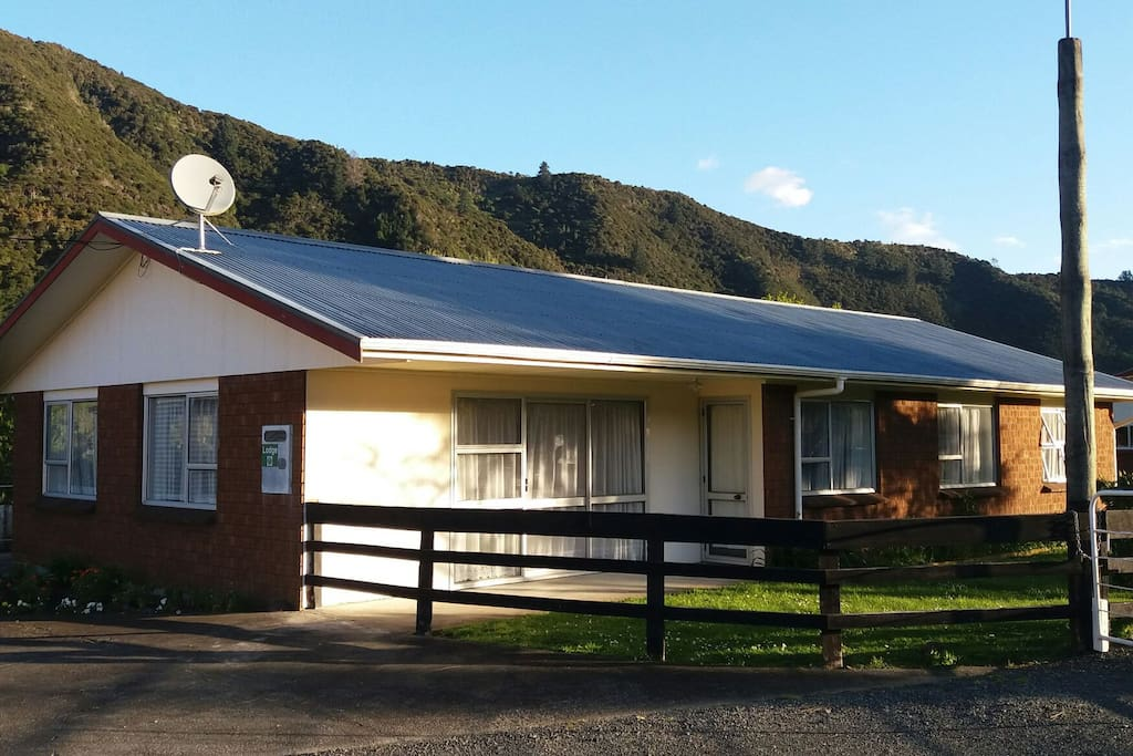 The Backpackers Lodge Houses For Rent In Thames Waikato
