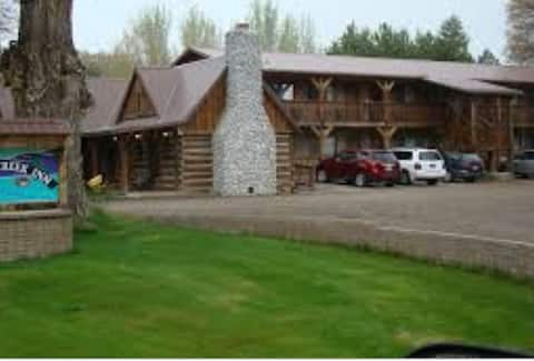 Marsh Creek Inn (2)