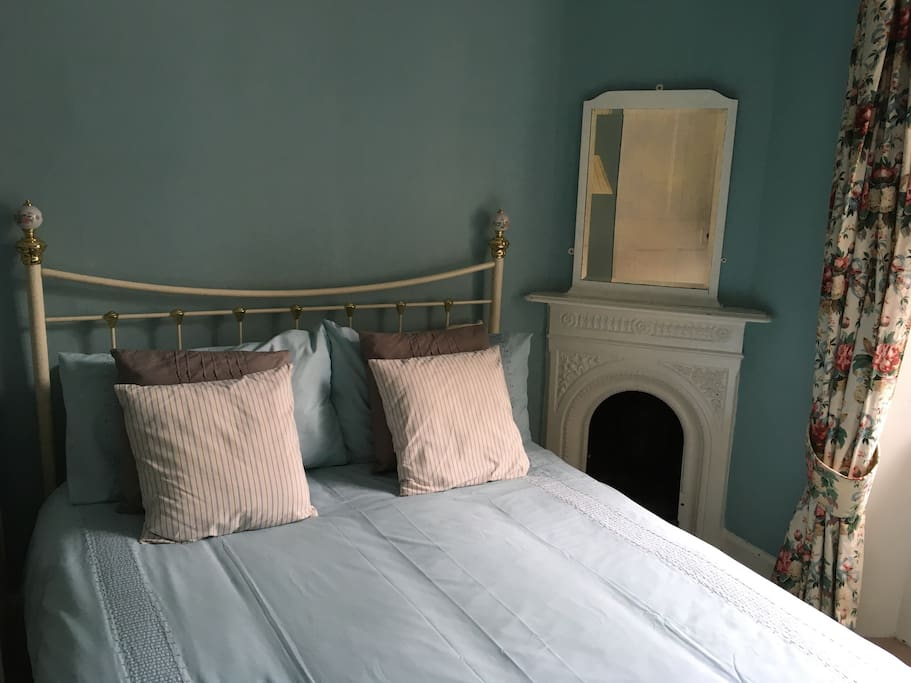 Bedroom with traditional features