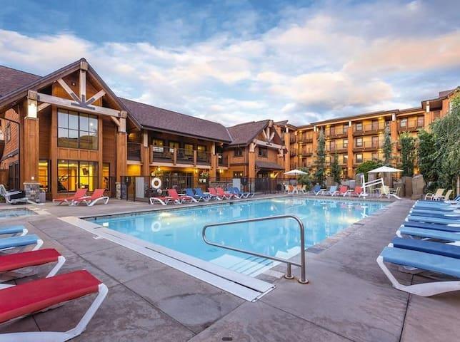 Three Bedroom Lake House Resort Suite