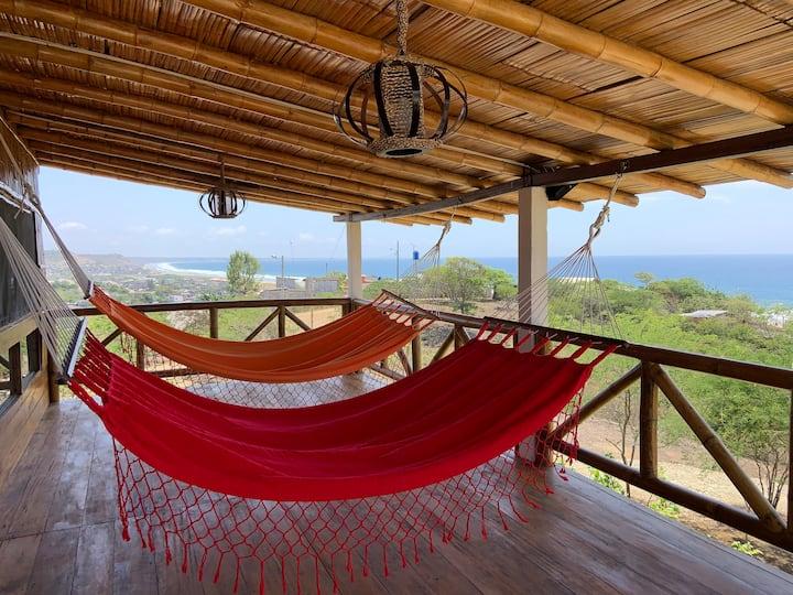 """Bella Casa """"Villa Rustica"""" 5 minutos de Montañita."""