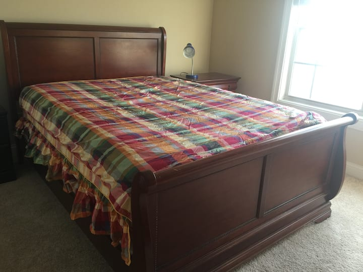 Private guestroom in best and safe school district