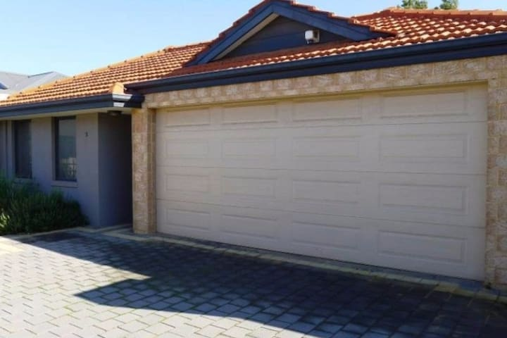 One private room in Cannington (Perth) - Cannington