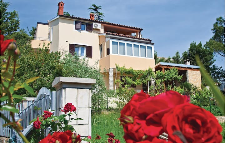Nice home in Pula with WiFi and 2 Bedrooms