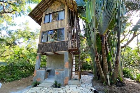 Rustic Tiny Home in Tanay, Rizal.