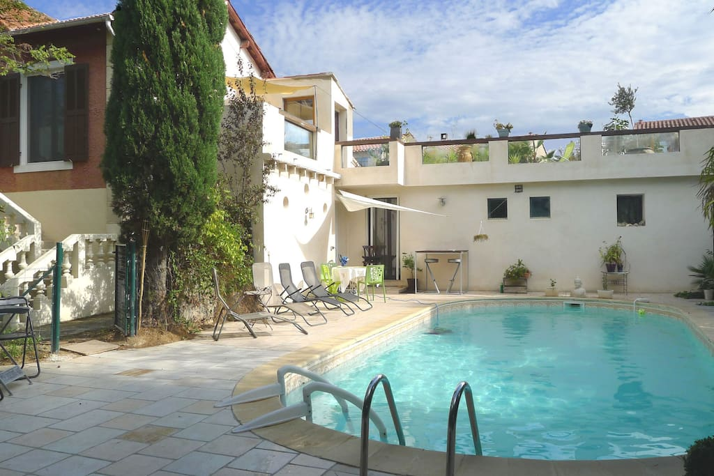 Sweet home in aix en provence swimmingpool garden for Cote commerce aix en provence