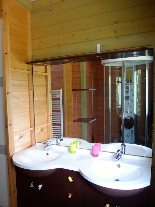 Chambre avec salle d 39 eau privative villa 39 s te huur in pompiey aquitaine frankrijk - Fotos van salle d eau ...
