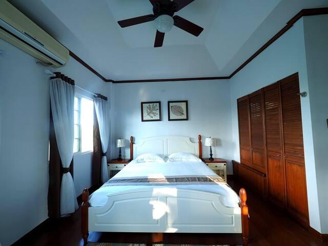 Cozy&private bedroom(Neverland ROOM3, king size) - Airai - Casa de campo