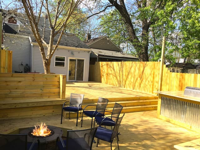 The Rare Gem-Epic Party Deck BBQ Firepit-Sleeps 8