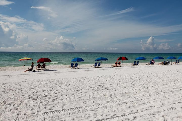 Top rated Destin beach house. 3 bedroom, sleeps 8