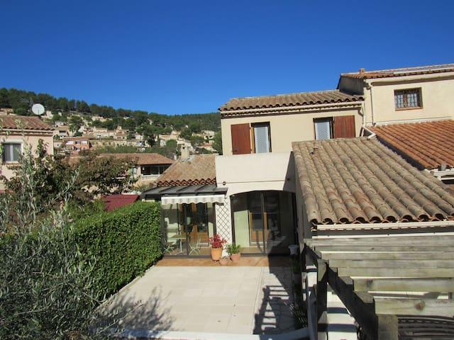 Chambre privée confortable et climatisée - Carnoux-en-Provence - Dům