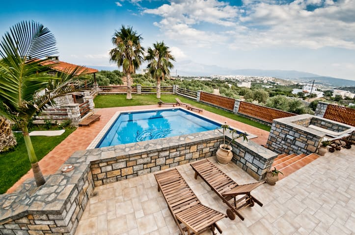 Villa Theano Luxury 4 bedroom villa