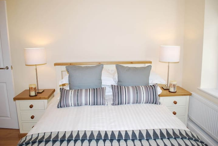 Rectory Hall 1-Bedroom Apartment - Stanstead Abbotts - Apartament