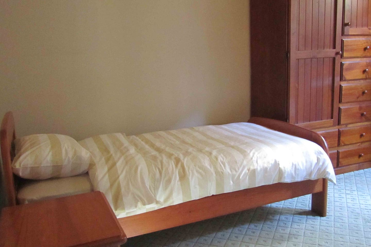 Spacious fully furnished bedroom